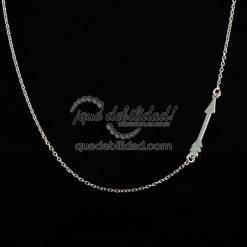 Collar de plata flecha asimétrica
