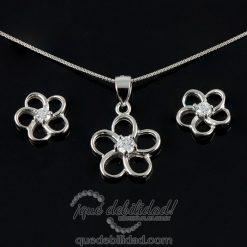 Conjunto de plata con flor circonita central