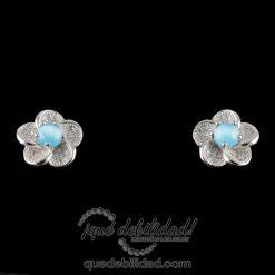 Pendientes de plata con forma de flor ojo de gato azul